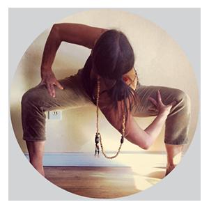 1501v01-elka-yoga-images-teresa-austin